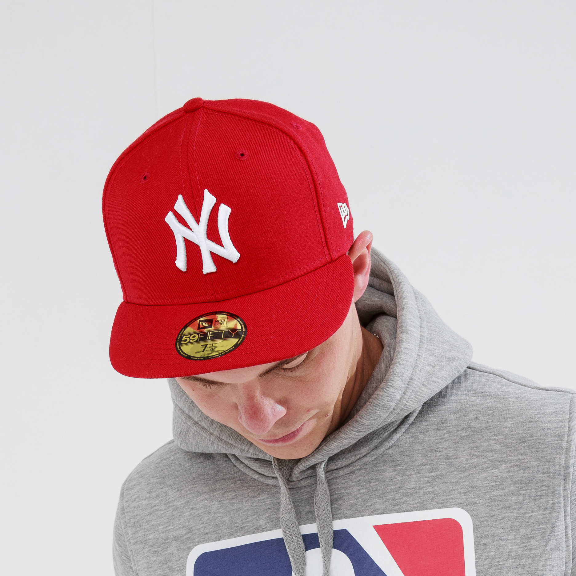 74cc83162bf81 Бейсболка 59FIFTY NY YANKEES ESSENTIAL RED
